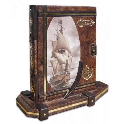 """Подарочная книга """"Корабли"""" на подставке"""