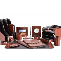 Настольный набор из кожи TOSCANA TAN/CUOIETTO шоколад 23 предмета