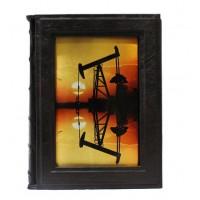 «Нефть и газ, мировая история» в кожаном переплёте в подарочном футляре