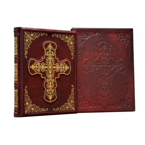«Православный молитвослов» в кожаном переплете ручной работы с рельефным цветным и глубоким блинтовым тисненим в футляре