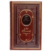 Лев Толстой. «Война и мир» в кожаном переплете с тисненным портретом автора