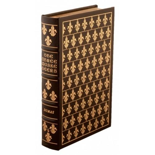 """Подарочная книга """"«Три мушкетера» в кожаном переплете на английском языке """""""