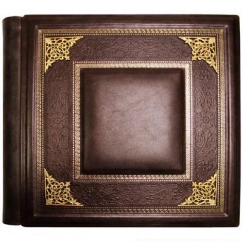 Фотоальбом элитный кожаный. Коричневый. Барельефные уголки из латуни.